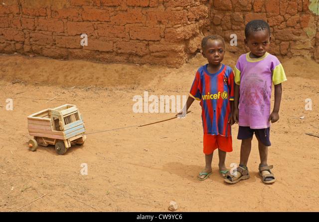 Little boys with toy truck, Mognori Eco-Village, Ghana - Stock Image