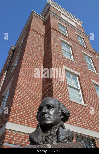 Washington DC 23rd Street NW The George Washington University higher education bronze bust statue head campus red - Stock Image