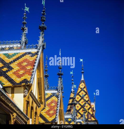 Polychrome glazed tile roofing, Hôtel-Dieu, 'Hospices de Beaune', Beaune, Côte-d'Or, Burgundy, - Stock Image