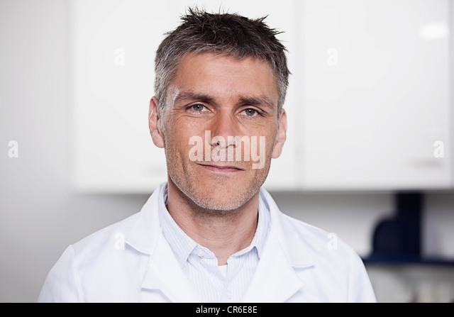 Germany, Bavaria, Munich, Scientist in laboratory, portrait - Stock Image