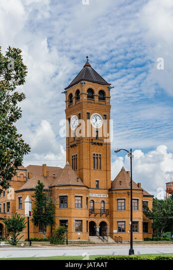 Macon County Courthouse located in Tuskegee Alabama, USA. The courthouse is made of traditional red brick found - Stock Image