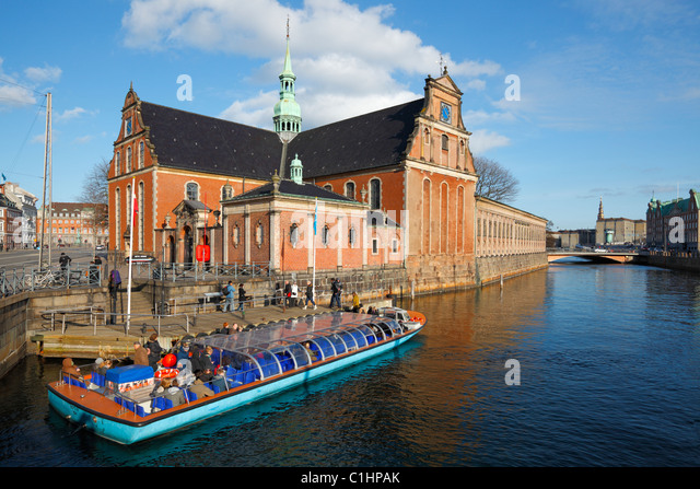 Holmen's Church in central Copenhagen on the street called Holmens Kanal (Holmen's Canal). Just opposite - Stock Image