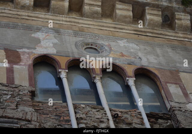 Old decayed palace in Italy, Albenga - Stock Image