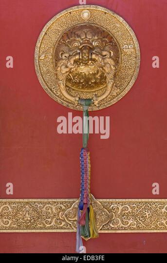 Asien, Indien, Karnataka, Bylakuppe, Goldener Tempel, Detail einer Tuer - Stock-Bilder