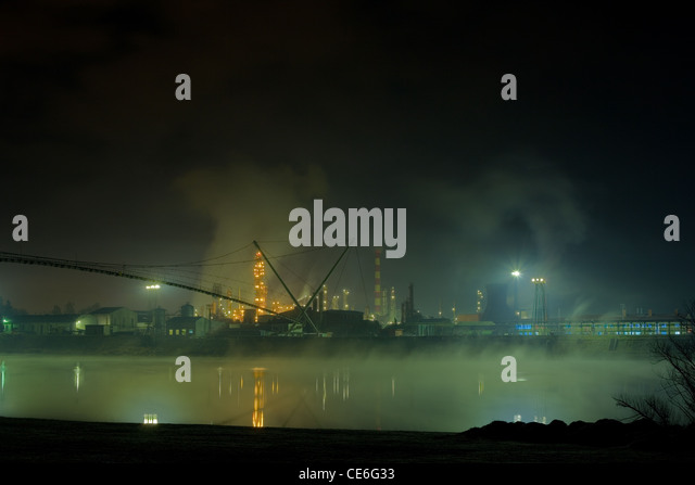 Oil refinery in the night - Stock Image