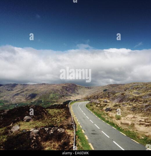 Ireland, Kerry, Road in mountains - Stock-Bilder