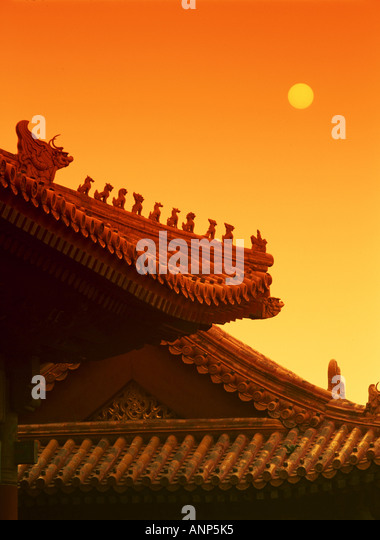 Low angle view of the roof of a Chinese temple - Stock Image