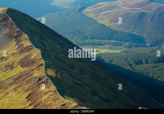Looking towards Ladyside Pike from the summit of Hopegill Head at sunset in the Lake District - Stock Image