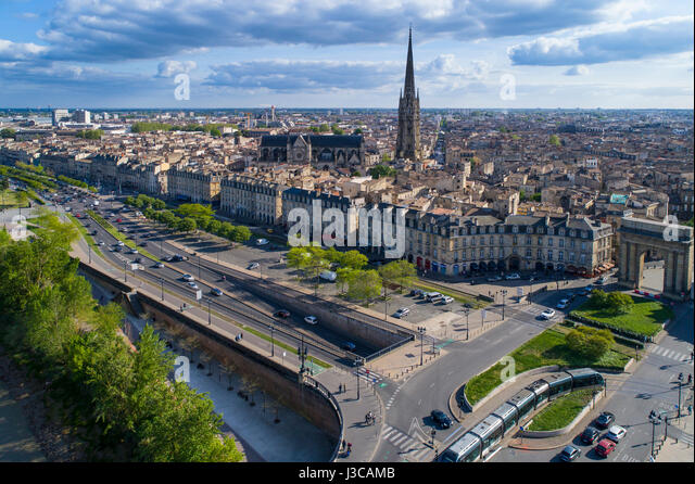 France, Gironde, Bordeaux, area listed as World Heritage by UNESCO, stone bridge over the Garonne river, brick and - Stock Image