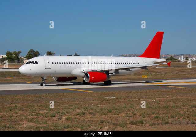 Air travel. Airbus A320 taxiing for departure. Proprietary details deleted. - Stock-Bilder
