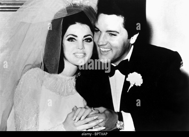 PRICILLA PRESLEY & ELVIS PRESLEY WIFE & HUSBAND (1967) - Stock-Bilder