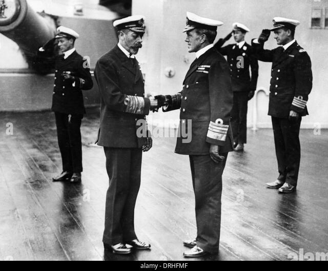 George V shaking hands with Admiral Sturdee - Stock Image