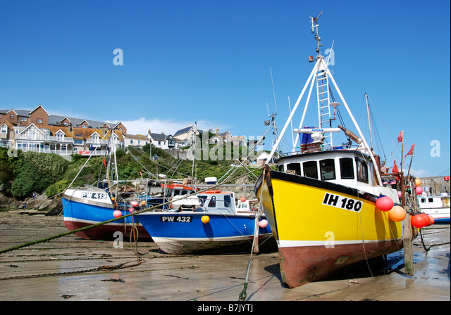 Fishing boats at low tide stock photos fishing boats at for Tide for fishing