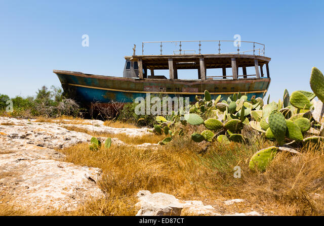 Boat wreck at Potamos Creek, Liopetri, Cyprus. - Stock Image