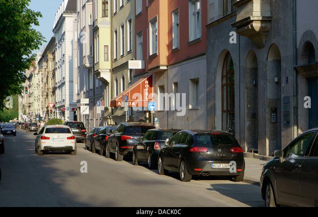 Quiet residential street, Liebigstrasse, in Lehel neighborhood in Munich, Germany - Stock-Bilder
