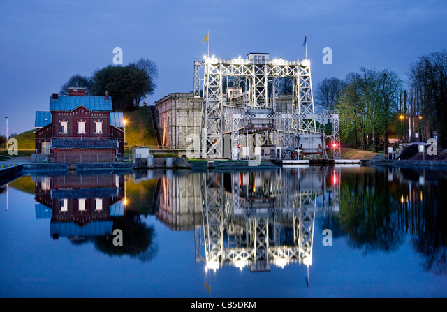 Old Canal Lock Stock Photos & Old Canal Lock Stock Images ...