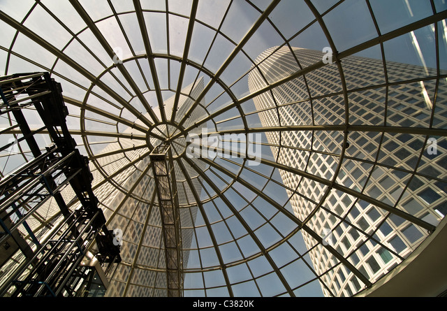 The beautiful Azrieli skyscrapers in Tel Aviv. - Stock Image