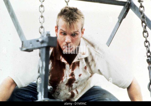 Flitterwochen In Den Tod  Criminal Affairs  James Marshall Verzweifelt sinnt Howard (James Marshall) auf Rache ... - Stock Image