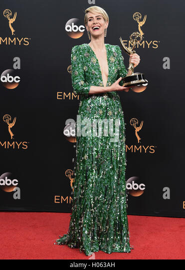 LOS ANGELES, CA - SEPTEMBER 18:  Sarah Paulson in the press room at the 68th Emmy Awards at the Microsoft Theater - Stock-Bilder