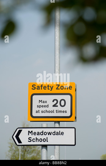 speed limit signs uk stock photos speed limit signs uk. Black Bedroom Furniture Sets. Home Design Ideas