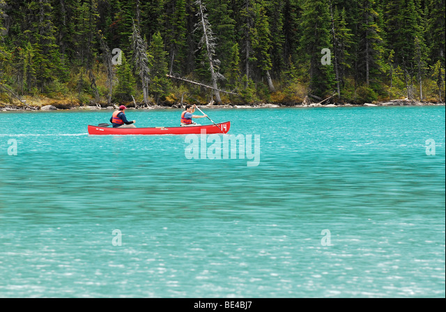 Canoeing on Lake Louise in Banff National Park, Alberta, Canada - Stock Image