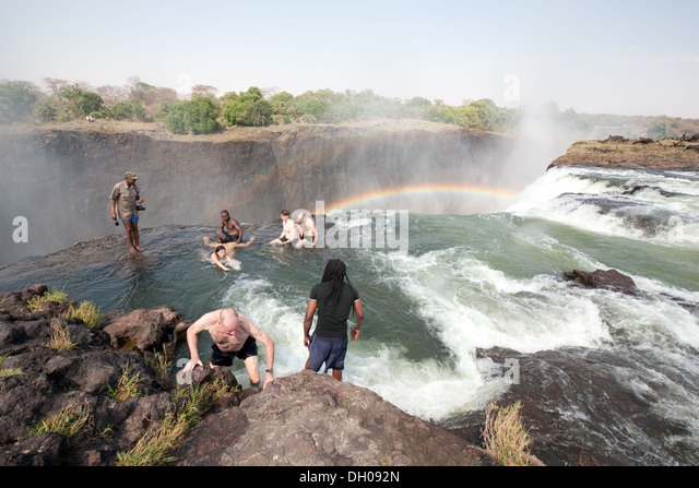 Devils pool stock photos devils pool stock images alamy for Devils swimming pool victoria falls