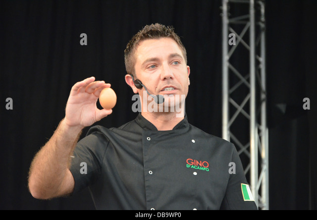 Gino D'ACampo, Gloucester Quays Food Festival. 2012 - Stock Image