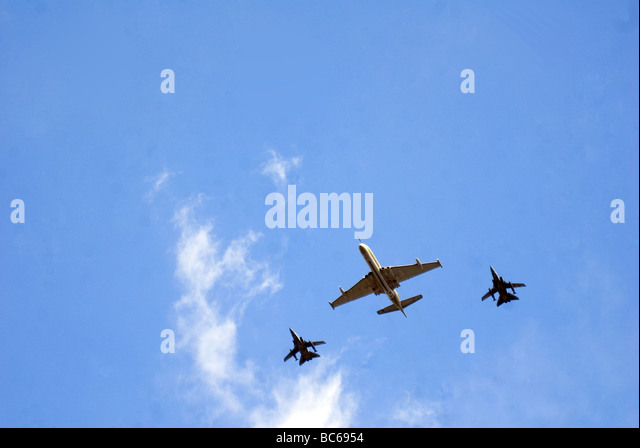 Planes in perfect formation over London Skies - Stock Image