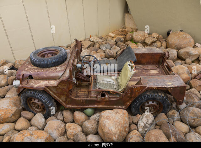 Israeli jeep in the war museum operated by Hezbollah called the tourist landmark of the resistance or museum for - Stock-Bilder