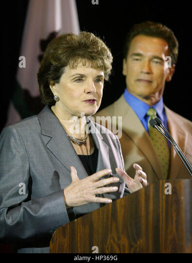 US Sen. Dianne Feinstein, foreground, and California Gov. Arnold Schwarzenegge at a press conference to endorse - Stock Image