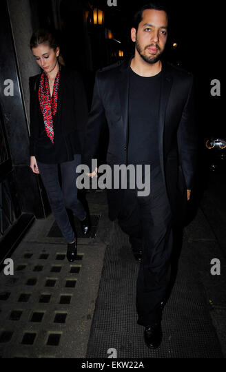 18.FEB.2009 - LONDON  DAVID BLANE ARRIVING AT THE IVY RESTURANT, COVENT GARDEN WITH HIS WIFE. - Stock Image