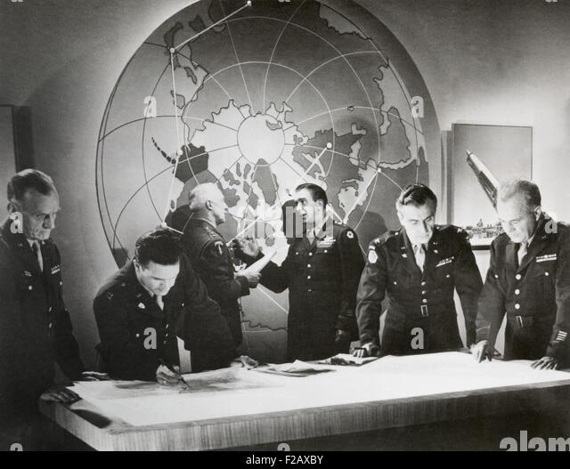 Movie still from a U.S. Army film about a hypothetical attack using an atomic bomb, Nov. 1948. Scene of Army generals - Stock-Bilder