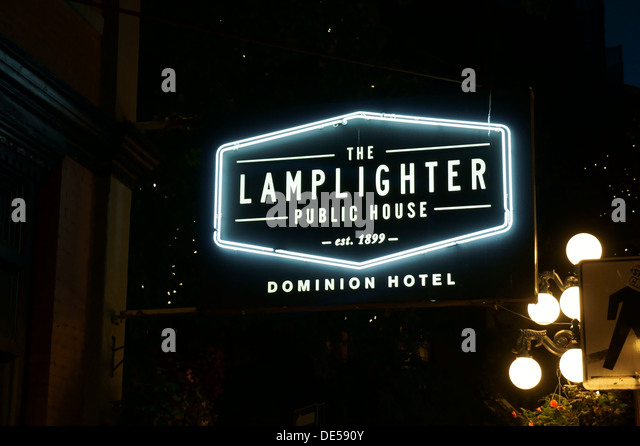 Gastown stock photos gastown stock images alamy for Lamplighter gastown