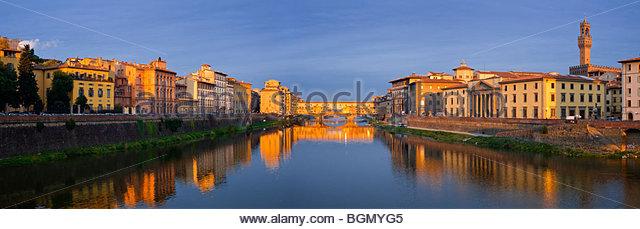 Ponte Vecchio at sunrise, Florence, Tuscany, Italy. - Stock-Bilder