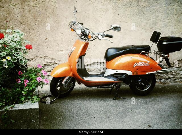vintage vespa stock photos vintage vespa stock images alamy. Black Bedroom Furniture Sets. Home Design Ideas