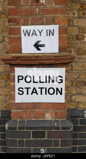 London, UK. 8th June, 2017Polling station signage outside Sandringham School in Newham ahead of the United Kingdom - Stock Image