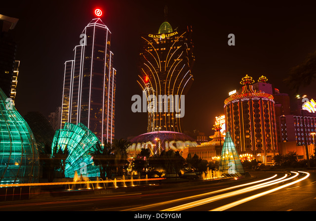 night view of the Grand Lisboa casino in Macau, China. - Stock Image
