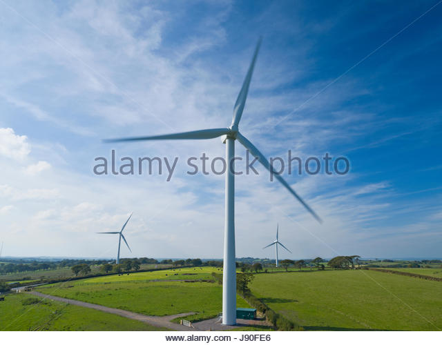 Aerial View Of Turbines On Wind Farm In UK Countryside - Stock-Bilder