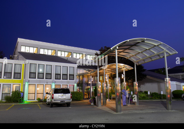 Massachusetts Cape Cod Hyannis Holiday Inn hotel motel lodging front entrance exterior architecture - Stock Image