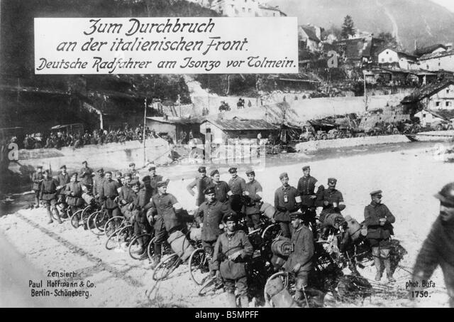 9 1915 0 0 A3 2 E Isonzo battles Ger troops at Tolmein World War 1 Italian Front Isonzo battles 1915 17 Battles - Stock-Bilder