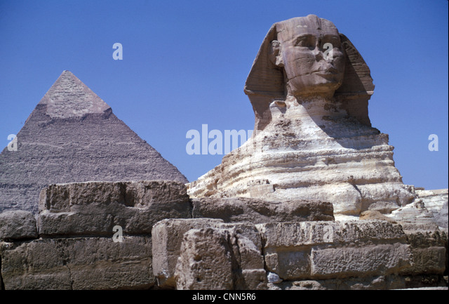 Egypt / Archaeology The Sphinx and Pyramid of Chephren, Gizeh, Egypt - Stock Image
