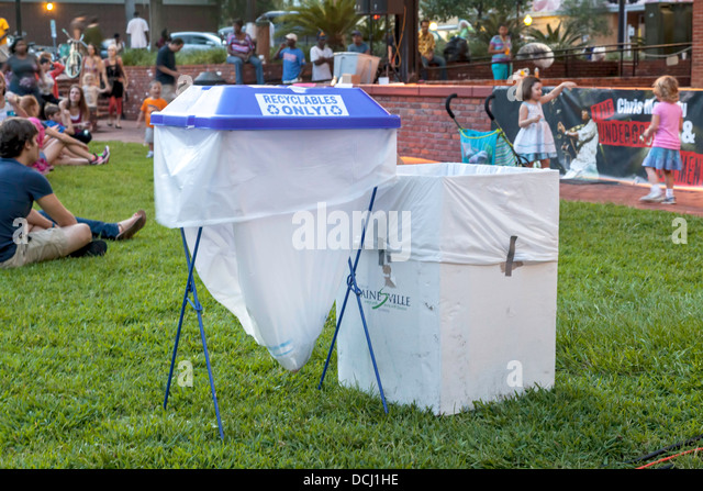 Collapsible stock photos collapsible stock images alamy - Collapsible trash bins ...