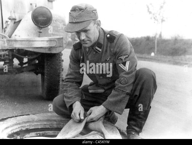 Soldier of the SS division 'Totenkopf' - Stock-Bilder