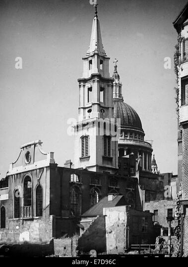 WW2 Bomb Damage - Church of St Vedast Foster Lane London in July 1946 - Stock Image