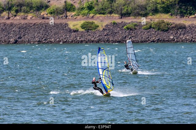 Wind surfing on the Columbia River in Hood River, Oregon, USA - Stock Image