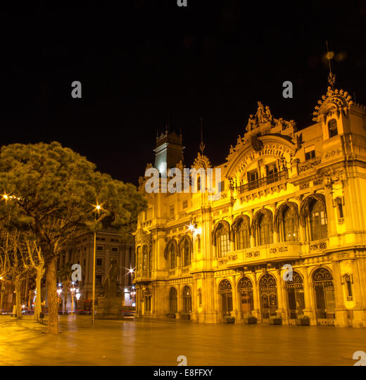 Spain, Catalunya, Barcelona, Central building of Port of Barcelona - Stock Image