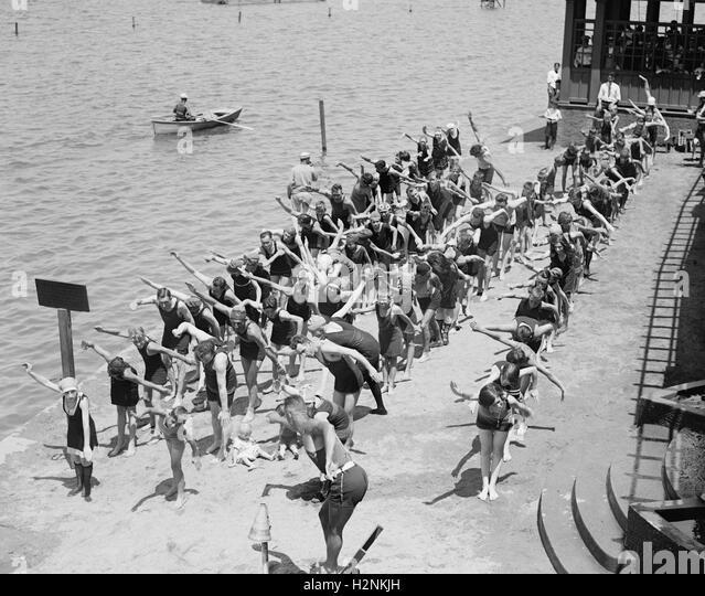 Swimming Lessons at Bathing Beach, Washington DC, USA, National Photo Company, July 1922 - Stock Image