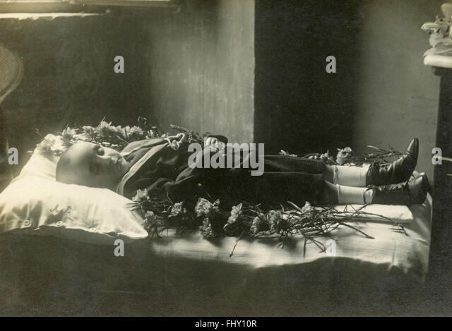 Post mortem, a dead child, Italy - Stock Image