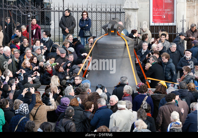 Arrival of the new bell chime on the 850th anniversary of Notre-Dame de Paris, Paris, France - Stock Image