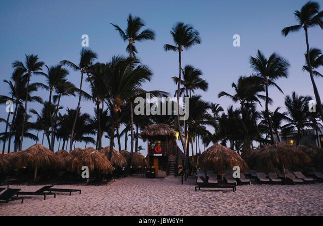 Thatched roof lifeguard tower, Bavaro Beach, Punta Cana, Dominican Republic - Stock-Bilder
